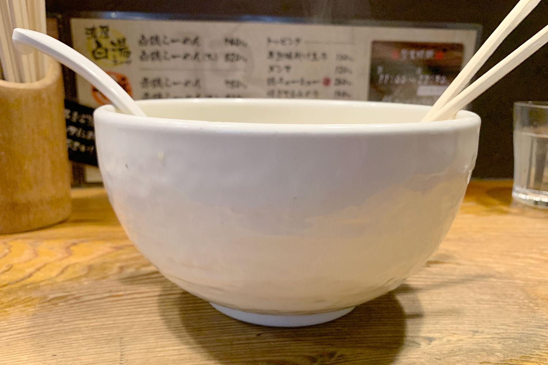 ラーメン 鶏の穴 鶏白湯 池袋