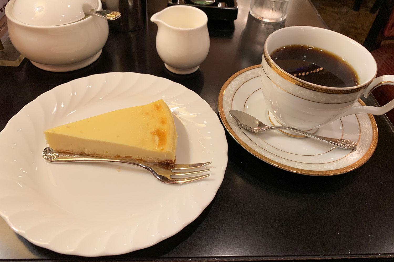 喫茶店 カフェ・ド・巴里 池袋西口店 ケーキセット