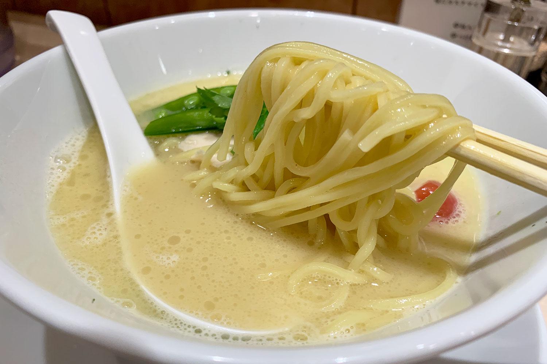 銀座 篝 池袋店 鶏白湯SOBA 麺 スープ