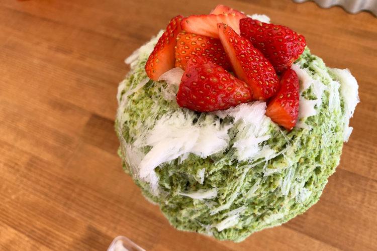 池袋『ハチク』 天然氷の大人気カキ氷「イチゴとピスタチオみるく」を食べてみた!