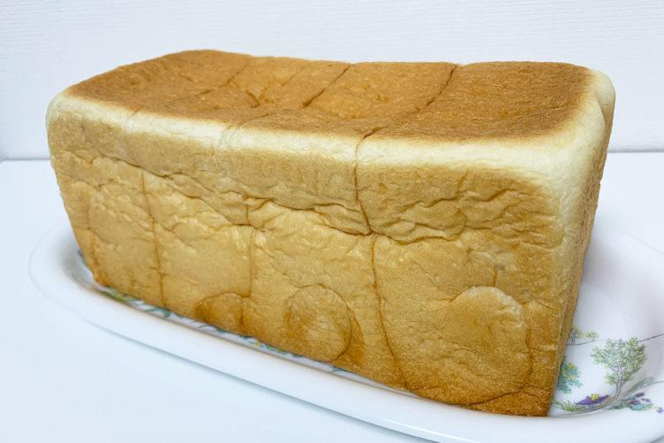 池袋 『銀座 に志かわ』の高級食パンを食べてみた。感想は「生でおいしい。甘くてふわもち!」