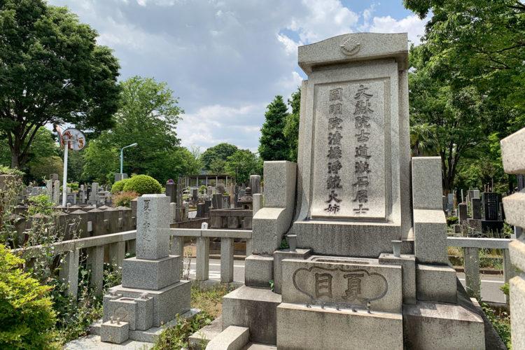 雑司ヶ谷霊園・夏目漱石先生のお墓はどこ?「1種14号2側」が目印!