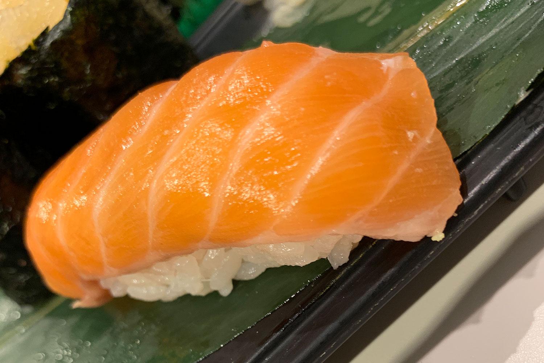 池袋 すしつね 寿司 ランチセット サーモン