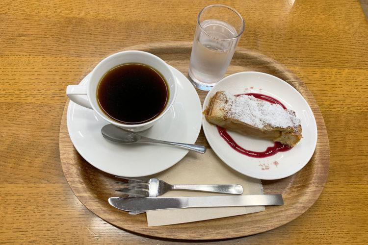 ジュンク堂『MJブックカフェ』で珈琲・アップルパイ・読書を静かに楽しむ