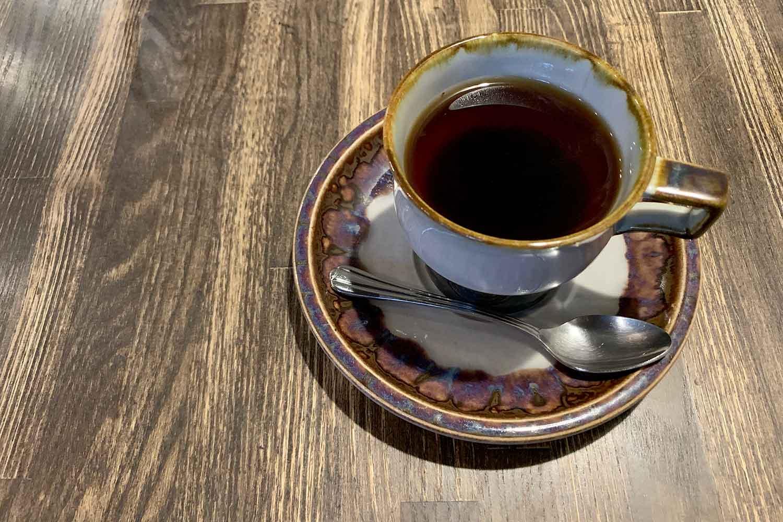 雑司ヶ谷『キアズマ珈琲』で自然の音をBGMに静かなコーヒータイムを過ごす