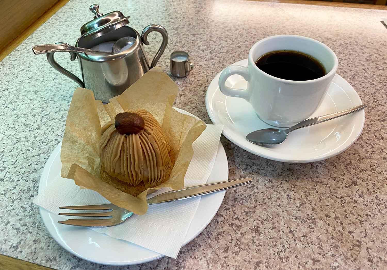 池袋西口の喫茶店フラミンゴのケーキセット