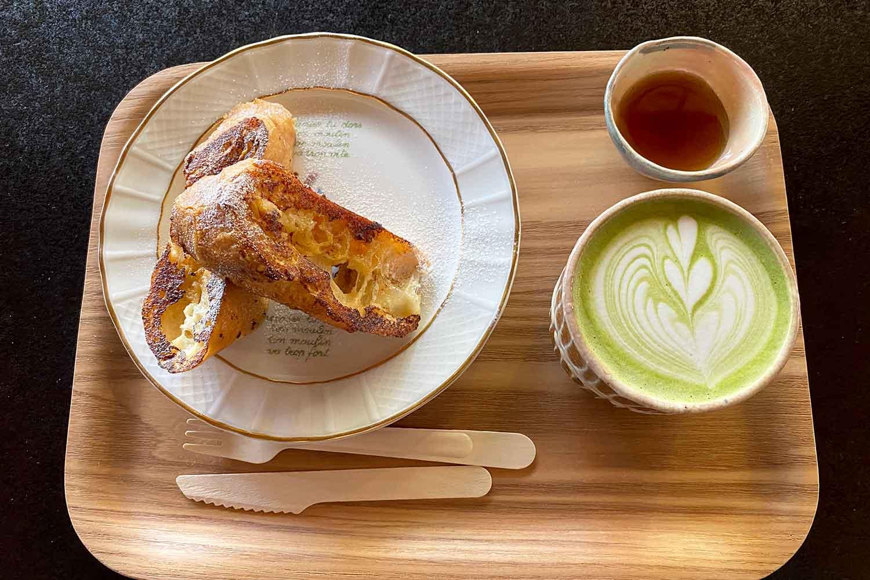 ぼうず'n coffeeの抹茶オレとフレンチトースト